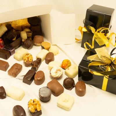 Foto van Doosje Bonbons Pure chocolade