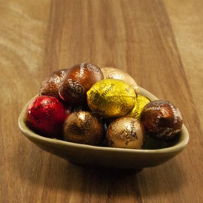 Foto van Leonidas Chocolade Eitjes Gemengd - Puur