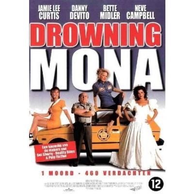 Foto van Drowning Mona DVD MOVIE