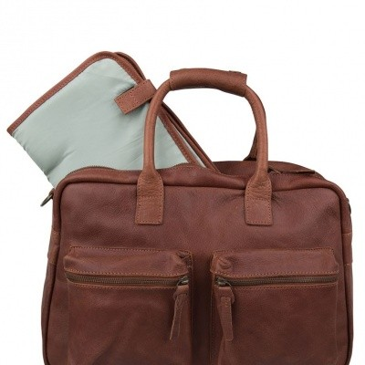 Foto van Cowboysbag The Diaper Bag Cognac
