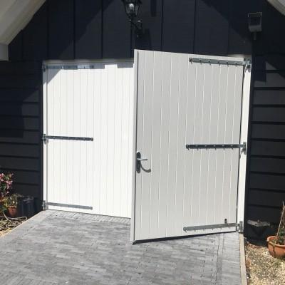 Foto van Garagedeuropener voor openslaande deuren (complete set met extra accessoires)