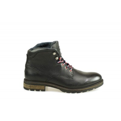 Foto van TOMMY HILFIGER HEREN HALFHOGE VETERSCHOENEN ZWART WINTER TEXTURED BOOT