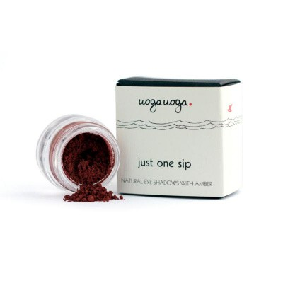 Uoga Uoga Eyeshadow 724 just 1 sip bio