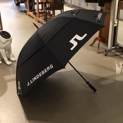 Foto van J.Lindeberg umbrella