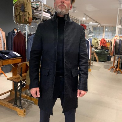 Foto van Hannes Roether Black Coat