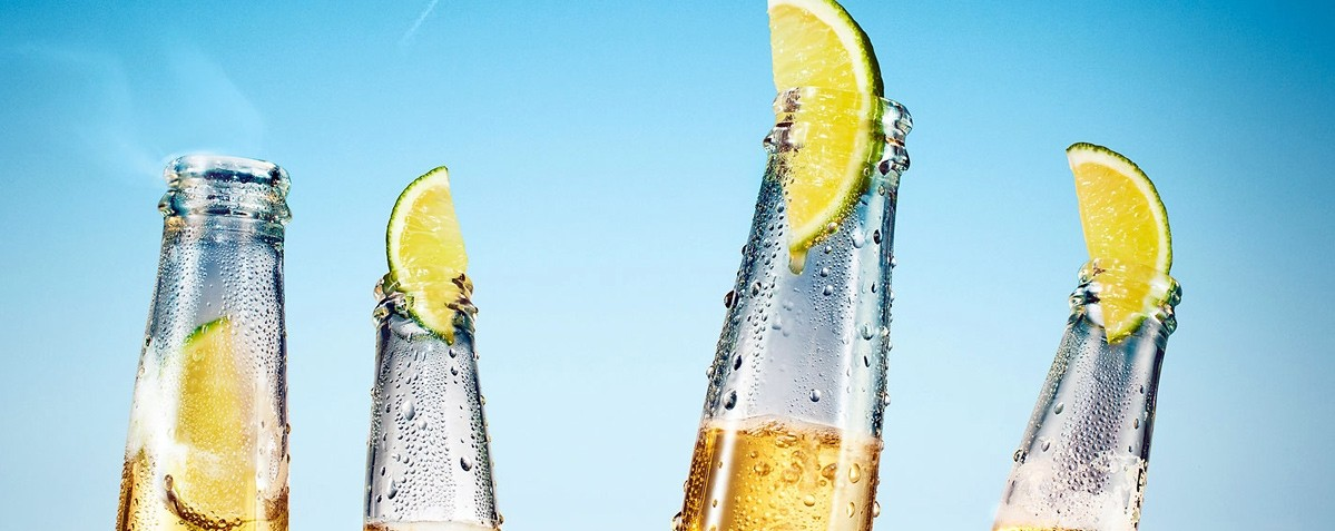 Top Tips For Throwing An Unforgettable Beach Party - Drinks