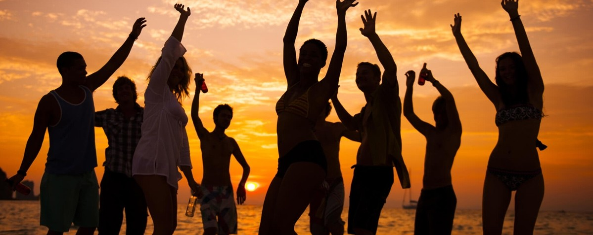 Top Tips For Throwing An Unforgettable Beach Party - Themes