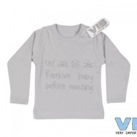 Foto van VIB - shirt remove baby before washing