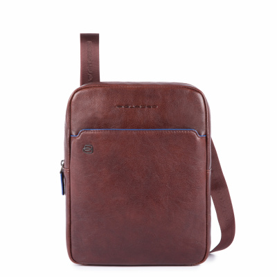 Foto van Piquadro B2S CA1816 iPad Crossbody Bag Dark Brown