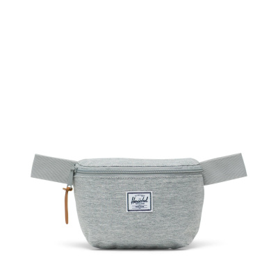 Foto van Herschel Heuptas Fourteen Light Grey Crosshatch