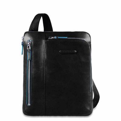 Foto van Piquadro B2 CA1816 Blue Square iPad Crossbody Bag Black