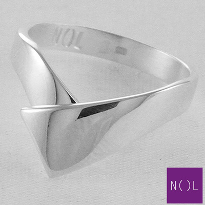 Zilveren handgemaakte ring AG95102