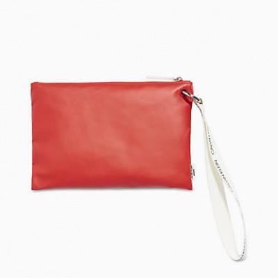 Foto van Calvin Klein WET POUCH K90KW00004-XBG rood