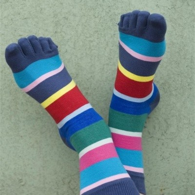 Foto van Bonnie Doon Cocktail Stripe Toe Sock BN75.10.56