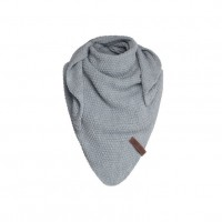 Foto van Knitfactory Junior Shawl Light Grey