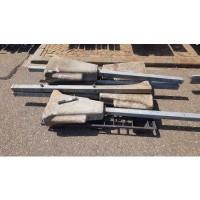Afbeelding van Gegalvaniseerde hekken en palen met betonnen voet