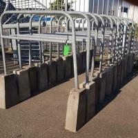 Afbeelding van Afzet hekken met betonnen voet, fietsenrekken