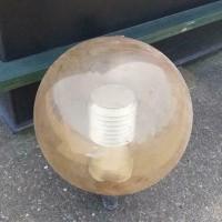 Afbeelding van Buitenlamp ijzer met kunststof bol retro