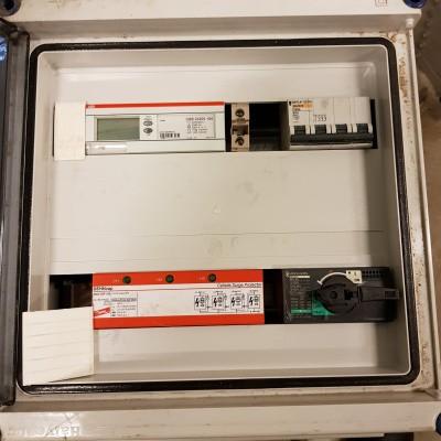 Foto van Groepenkast met o.a. ABB Kwh-meter