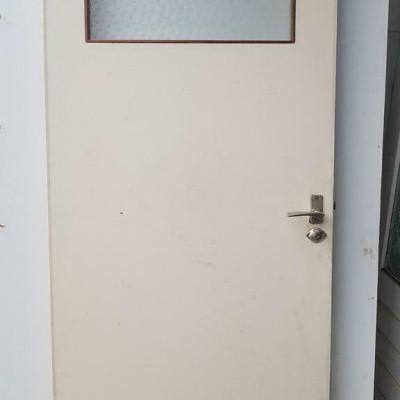 Foto van 2 binnen deuren met bovenlicht