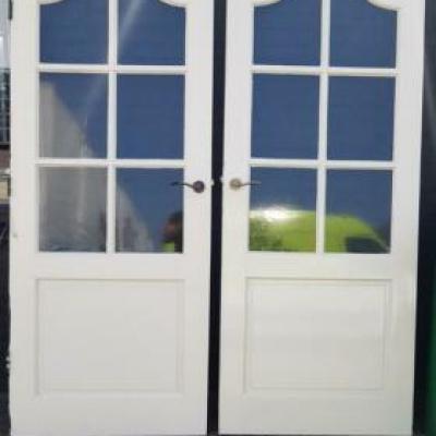 Foto van 2 binnendeuren met enkelglas serredeuren