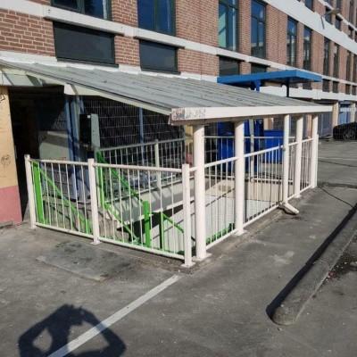 Foto van Dak constructie uitbouw met hekken