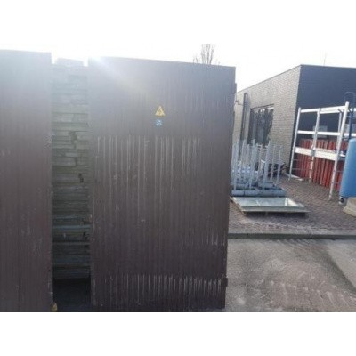 2 Industriële aluminium poorten