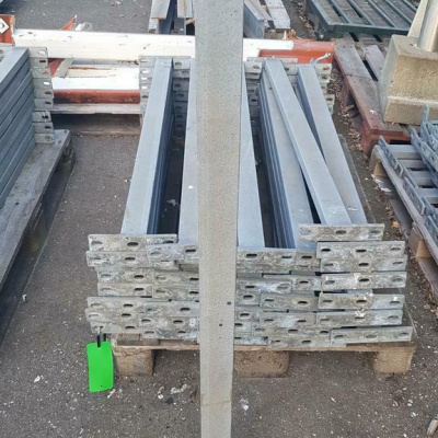 Foto van Gegalvaniseerde staanders, leuning, balustrade