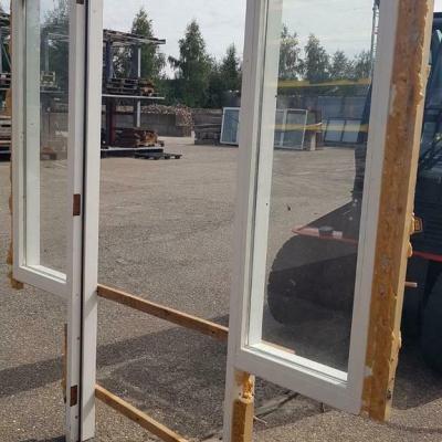 Foto van Kozijn met zijramen voorzien van dubbelglas