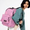 Afbeelding van Eastpak OUT OF OFFICE Rugtas Herbs Pink