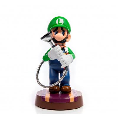 Luigi's Mansion 3: Luigi 9 inch PVC Standard Edition