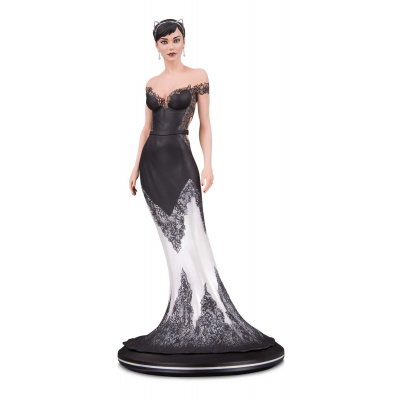 DC Comics: Cover Girls - Catwoman Wedding Dress Statue by Joelle Jones