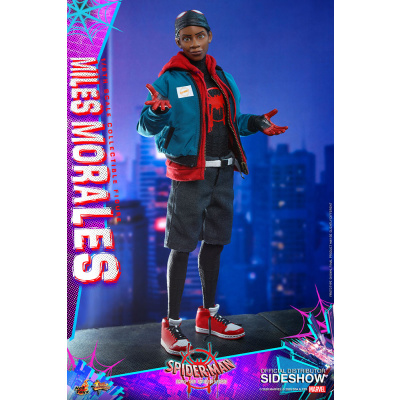 Marvel: Spider-Man into the Spider-Verse - Miles Morales 1:6 Scale Figure
