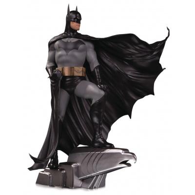 DC Comics: Designer Series - Batman Deluxe Statue by Alex Ross