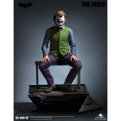 DC Comics: The Dark Knight - Joker Special Version 1:3 Scale Statue
