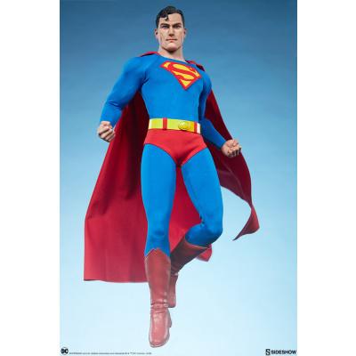 DC Comics: Superman 1:6 Scale Figure
