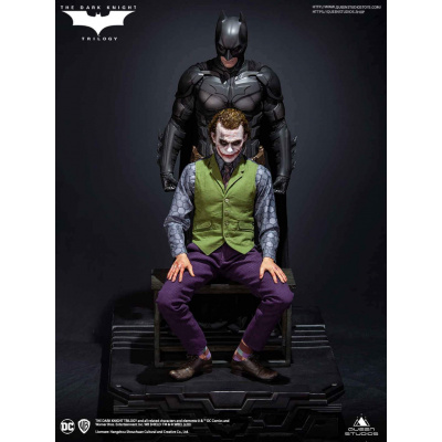 DC Comics: The Dark Knight - Extended Base for Batman and Joker Statues