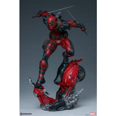 Marvel: Deadpool Premium 1:4 Scale Statue
