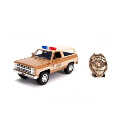 Stranger Things: 1980 Hoppers Chevrolet K5 Blazer with Diecast Police Badge Hawkins Police. 1:24