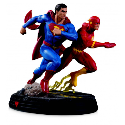 DC Comics Gallery: Superman vs Flash Racing 2nd Edition Statue