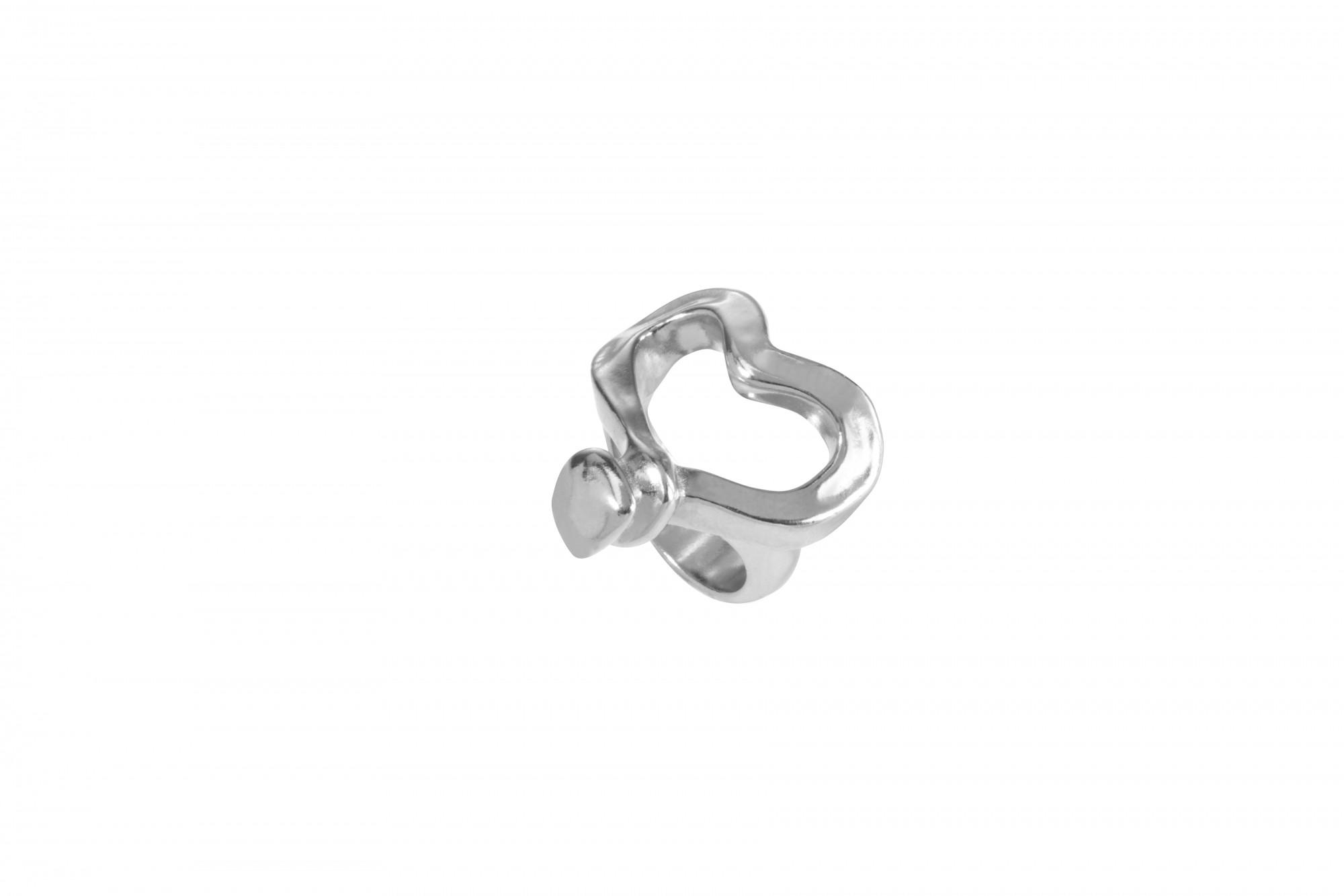 Ring Corazon clavado