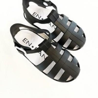 Enfant watershoes black