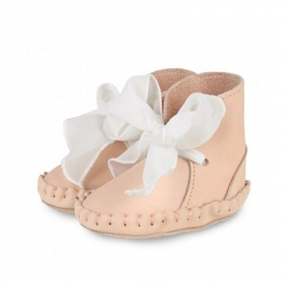 Foto van Donsje Pina organza powder nubuck handmade leather shoes