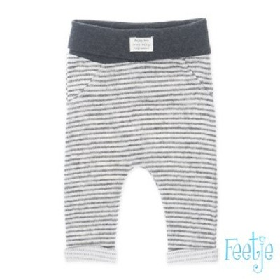 Foto van Feetje newborn broekje grey stripe