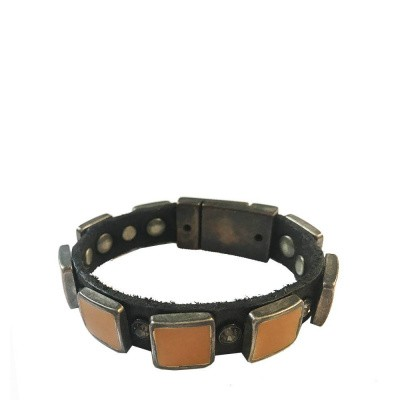 Foto van Campomaggi Bracelet in brown leather with yellow studs and magnetic closure