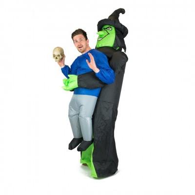 Foto van Heksen carry me kostuum