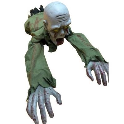 Foto van Halloween decoratie kruipende zombie