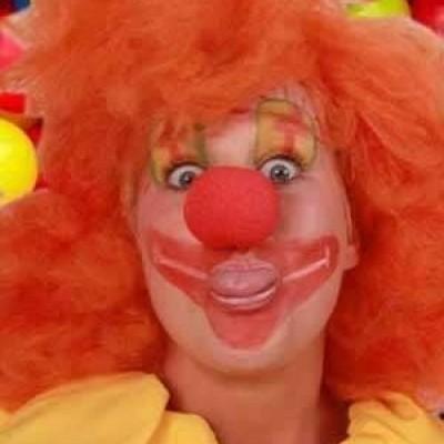 Foto van Schuimneus clown rood