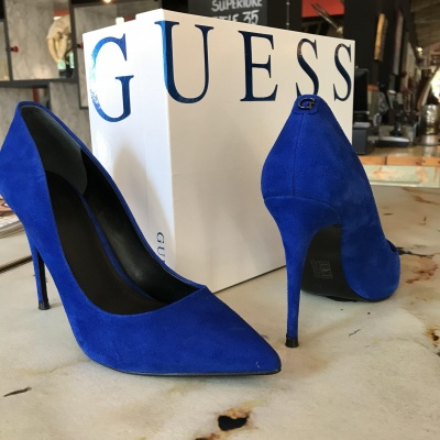 Foto van Guess blue pumps
