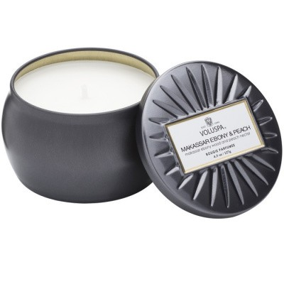 Foto van Voluspa Petite decorative Tin Candle Makassar Ebony and Peach